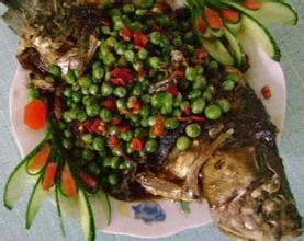 广丰豌豆烧鲫鱼